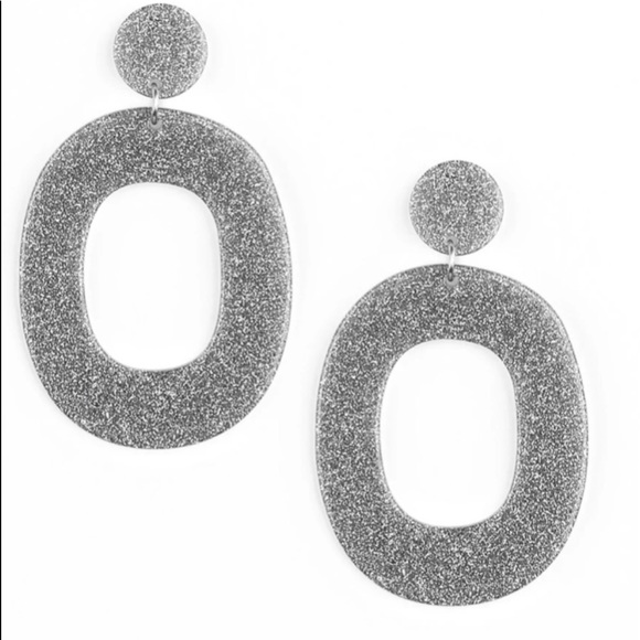 K11 Gray and silver post earrings